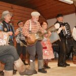 Jätkäperinne ja koulunäytelmä juhlistivatVoimantalon lisäsiiven valmistumista