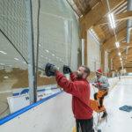 Kompurat purkivat jäähallin kaukalon – tilalle tulee joustolaitainen