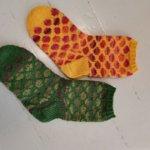 Neulontahaasteella halutaan saada koko Orivesi neulomaan – lankalähetti tuo tarvittaessa tarvikkeet kotiovelle