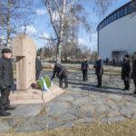 Kansallista veteraanipäivää juhlistettiin seppeleenlaskulla sankarihaudalle