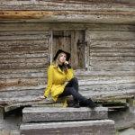 """Ylioppilaaksi valmistunut Sara Hallamäki ilahtui, kun kirjoitusten aikataulua nopeutettiin – """"En olisi tykännyt, jos jotakin olisi pitänyt kirjoittaa vasta syksyllä"""""""