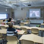 Koulujen lähiopetusviikot tuovat turvallista arkea poikkeusolojen epävarmuuden keskelle