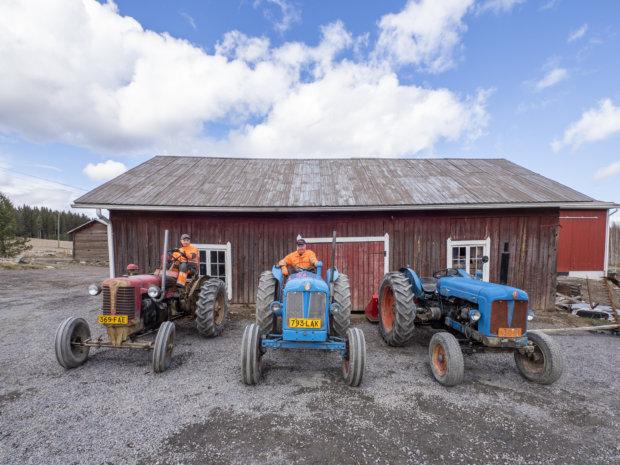 Lauri ja Petri Sahran traktorit