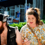 KOLME TÄHTEÄ: Parisuhteen kariutuminen ei taivu täysiveriseksi komediaksi Myllykolussa, näytelmässä on läsnä aito suru kumppanin menettämisestä