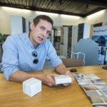 Liuskemestareiden edustama marmori tekee Finlandia-talosta hohtavan valkoisen