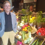 """Lähiruoan hyväksi toimiva Antti Luomala: """"Meillä on varaa älypuhelimeen ja Dieselin paitaan – onko ruoka meille ainoastaan polttoainetta?"""""""