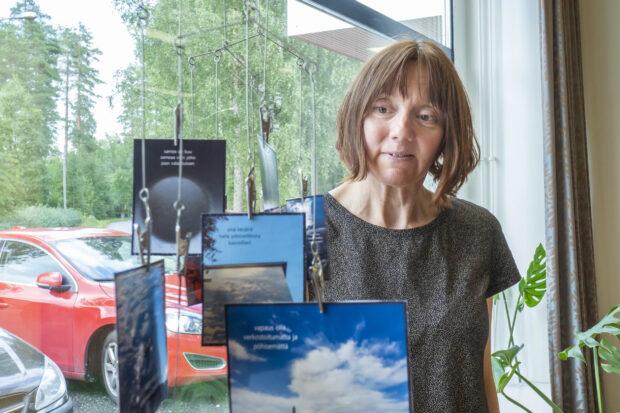 Juupajoki Variksen soolo -näyttely