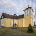 Seurakunnalla on ensi vuonna edessään runsaasti investointeja – Längelmäen kirkko saa uuden maalin pintaansa ja paanukatto tervataan