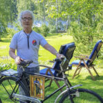 Muhkun väki antoi Olli Lehdolle 80-vuotislahjaksi polkupyörän 1940-luvulta