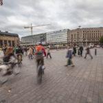 Valokuvanäyttely tarjoaa hetkiä ja tuokiokuvia pääkaupunkiseudun arjesta – esillä oleva kokonaisuus on Juha Jäntin toinen oma näyttely