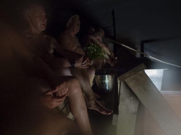 Jouni Siltasen savusaunassa Kuivasen kylässä