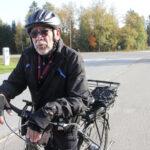 Sähköavusteisesta pyörästä on tullut Manu Salosen suosikkipyörä – hankintaa hän oli harkinnut jo jonkin aikaa, mutta vasta sairaskohtauksesta toipuminen sai ostoksille