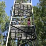 """""""Koesoitto täältä Sinivuoren palotornilta"""" – 1960-luvun alussa valmistuneessa tornissa oltiin metsäpalohälytyksen aikana vartiossa koko päivä"""