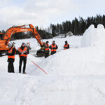 Pakkasen puute ja koronarajoitukset pakottivat perumaan kaivureiden lumenveiston SM-kisat