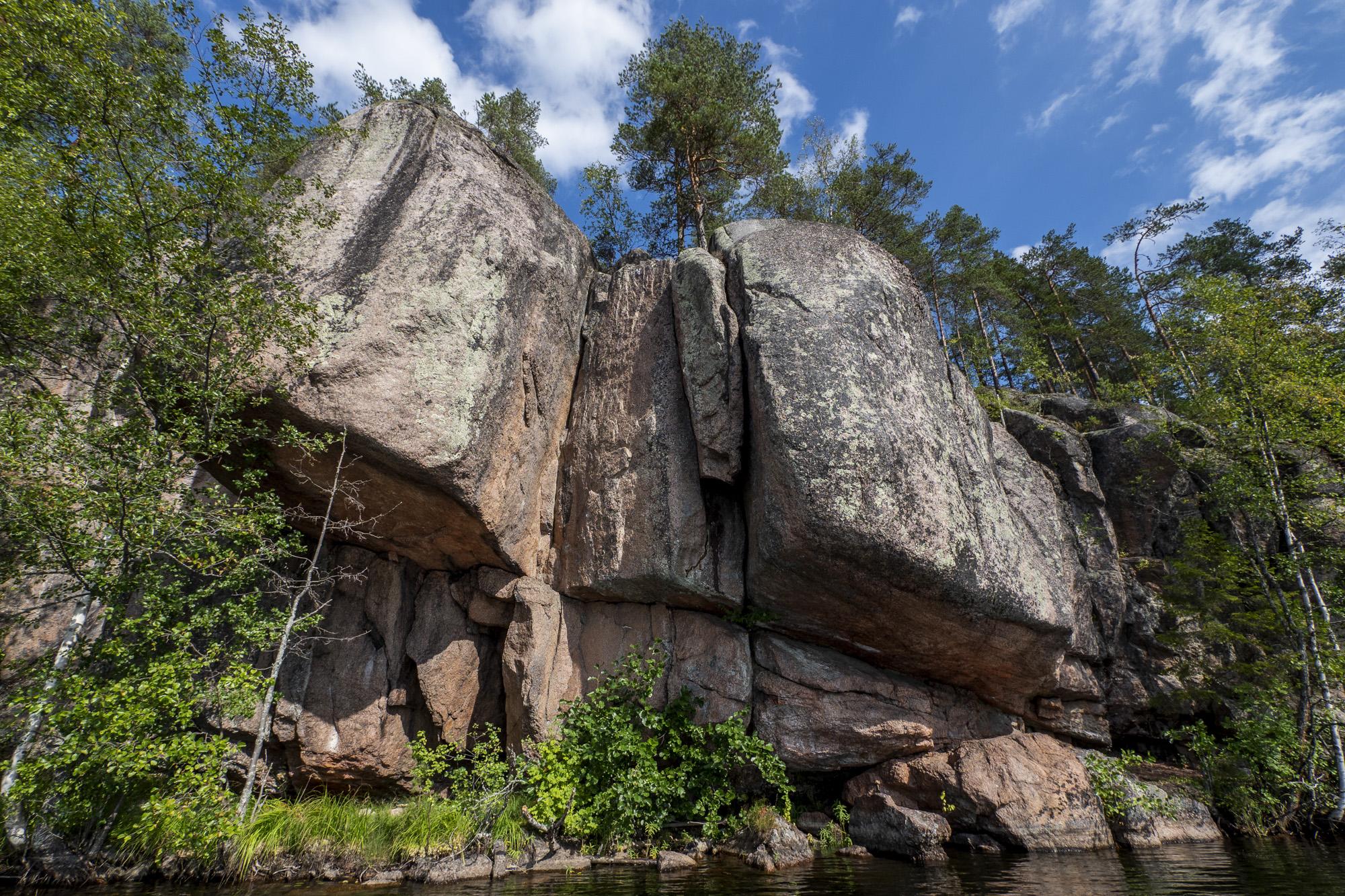 Iso-Vuorijärvi, näyttely