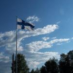 Suomessa liputus on aina oikeus, ei velvollisuus – lippujen likaisuus harmittaa, mutta isännänviirit ilahduttavat