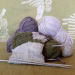 Vastaa kyselyyn: Osaatko neuloa villasukat?