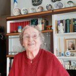 Helvi Helander, 103, leipoo yhä itse pikkuleivät – Oriveden vanhin asuu tyytyväisenä kotonaan ja nauttii pikku puuhastelusta