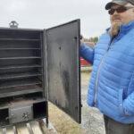 Kantrimeininkiä tekeillä 58-tien varteen – Matti Patronen ikävöi Amerikasta miedosti savunmakuisia barbeque-ribsejä ja tuo autokaupan yhteyteen muutakin toimintaa