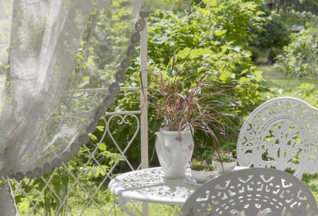 puutarhakalusteita