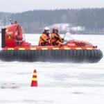 Katso video: Ilmatyynyalus vie sinnekin, mihin veneellä ei ole menemistä