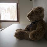 Lapsihoivaaja jää usein näkymättömäksi – traumat ja ylisukupolvisuus ovat aiheena Pirkanmaan Mielenterveysomaisten järjestämällä yleisöluennolla