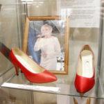 Kenkä- ja nahkamuseo on myös paikallisten tuotteiden puoti – kohta tiedetään kenen kengistä tulee vuoden kengät