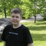 Tuore ylioppilas Ville Uotila sai stipendin menestyksestä matematiikassa – opiskelupaikan napanneella nuorella on edessään muutto maalta Helsinkiin
