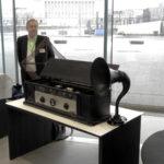 Radioiden rautainen asiantuntija järjestää vanhojen radioiden näyttelyn Eräjärvellä – laitteita on kertynyt kokoelmiin jo pari tuhatta