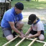 Juupajoen Eräpartion 40-vuotisleirillä tehtiin historiallisia aktiviteetteja – leiripaidat värjättiin erikoisella menetelmällä