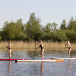 Miss EW kruunataan Rönnillä lauantaina – kesäkuun alussa missifinalistit kävivät uimapukukuvauksissa Purnussa ja suppailemassa villasukissa Säynäniemessä