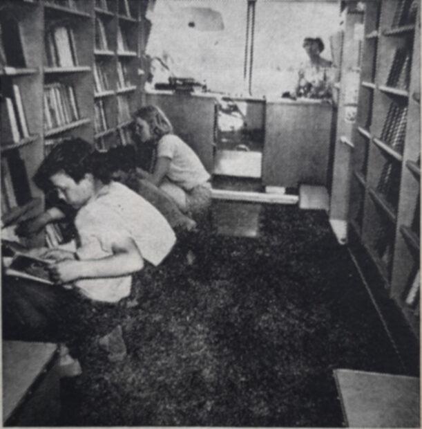 vanha vuosikerta, kirjastoauto