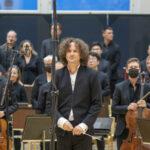 Ilo soittaa taas yleisön edessä välittyi Klemetti-salin katsomoon asti – RSO sai Orivedellä myrskyisät suosionosoitukset