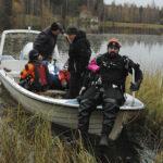 """""""Kyllä se on sukeltamalla etsittävä"""" – vuonna 2008 Myllyjärven syvyyksissä ollutta lauttaa ei löydetty, mutta nyt mutaryhmä teki lähes täydellisen spottauksen"""